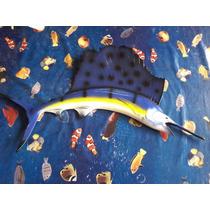 Peixe Marlin Em Fibra De Vidro Com Pintura Automotiva.