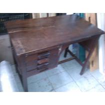 Antiga Escrivaninha Super Compacta Requer Restauro