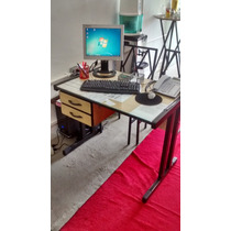 Mesa Para Escritório Usada 90x60 Cm Com Vidro