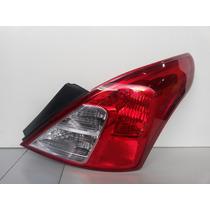 Lanterna Traseira Nissan Versa Lado Direito