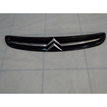 Grade Frontal Do Motor Citroen Xsara Picasso Com Emblema