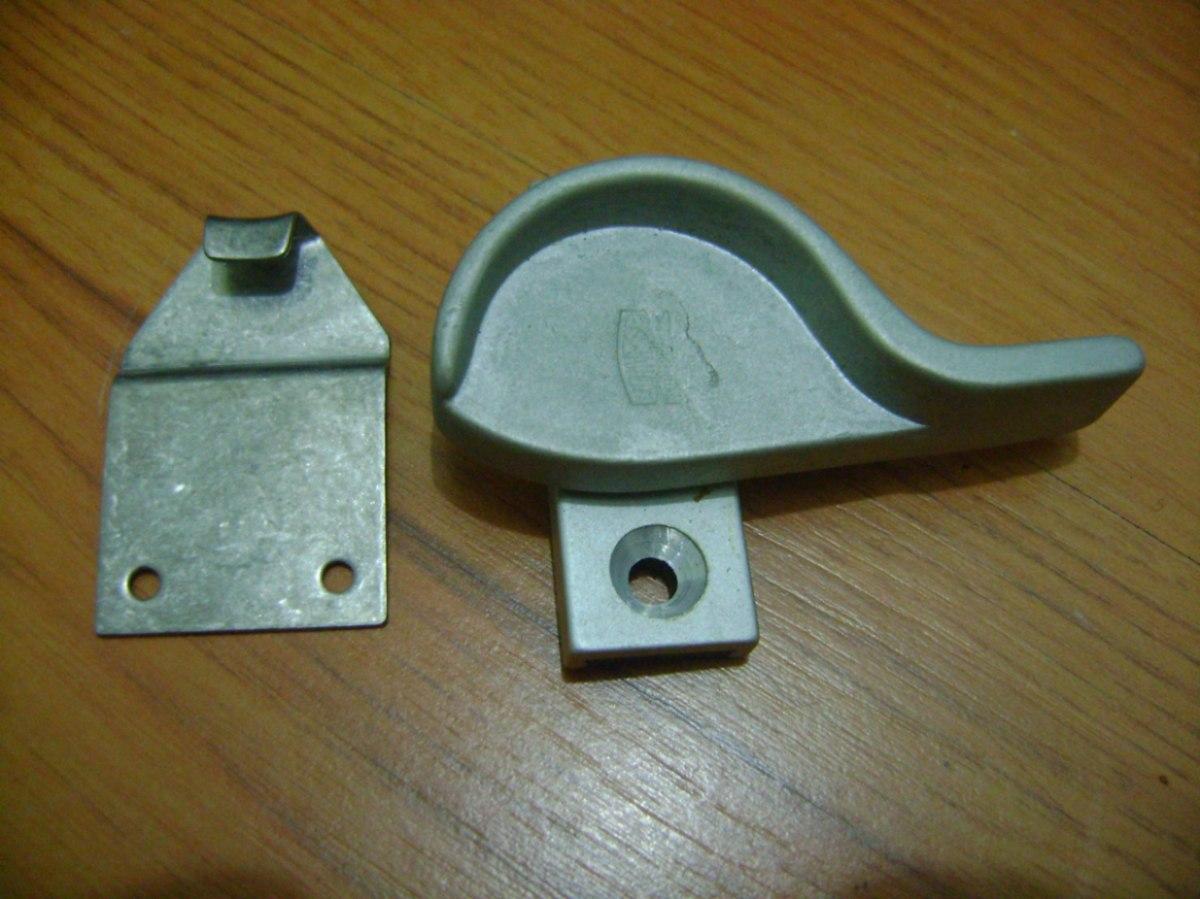 #674B1C Preço De Porta De Correr Ou Porta Camarao Para Quarto E Banheiro  4088 Fecho Japones Janela De Aluminio