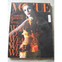 Revista Vogue Italia Nº 728 - 04/2011