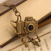 Promoção! Colar Câmera Fotográfica - Cor Ouro Velho