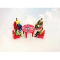 Kit Coca Cola Mesa +4 Cadeiras +4 Figuras Ho 1:87 Praia