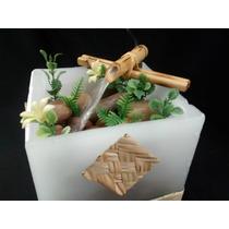 Fonte De Água Em Vela Decorada E Bica Em Bambú