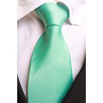 Gravata Tradicional Lisa Com Nó Brilhante - Verde Claro