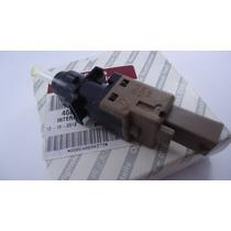 Interruptor Cilindro Pedal Embreagem Bravo / Doblò / Stilo