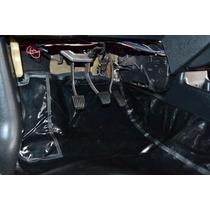 Tapete Carpete De Verniz Assoalho Automotivo Uno Quadrado