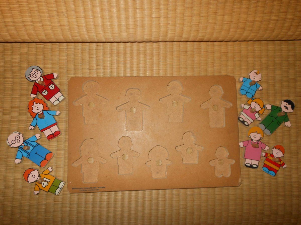 mlb-s1-p.mlstatic.com/jogo-de-encaixe-familia-feliz-feito-mo-de-madeira-838601-MLB20381300751_082015-F.jpg