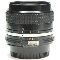 Objetiva Nikon 28mm 3.5 1952001