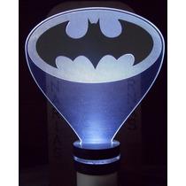 Luminária De Tomada Abajur Led Acrílico E Mdf Logo Do Batman