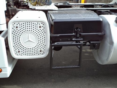 M B Axor 1933 S Teto Alto 4x2 2005 Único Dono