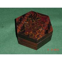 * Antiga Caixa De Madeira Sextavada - 15,5cm X 7cm *