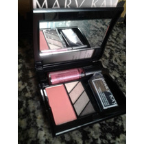 Estojo Mary Kay Com Quarteto De Sombras E Blush Com Pincel.