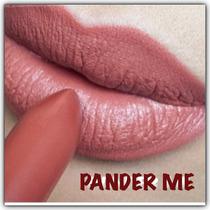 Batom Pander Me Mac Nude / Coral, Retro Matte 2. Em Mãos