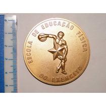 Medalha Antiga - Escola De Ed. Física Do Exército - 1977