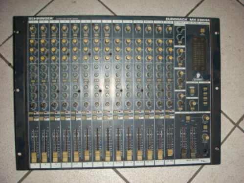 Mesa Behringer 28 Canais Ub Ux(ñ Yamaha,makie)