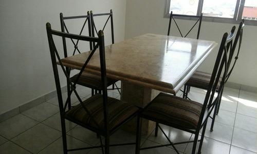Mesa De Mármore Com 6 Cadeiras + Aparador - R$ 1.500,00 no