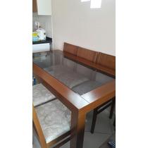 Mesa De Madeira Com Tampo De Vidro Com Seis Cadeiras Novas.