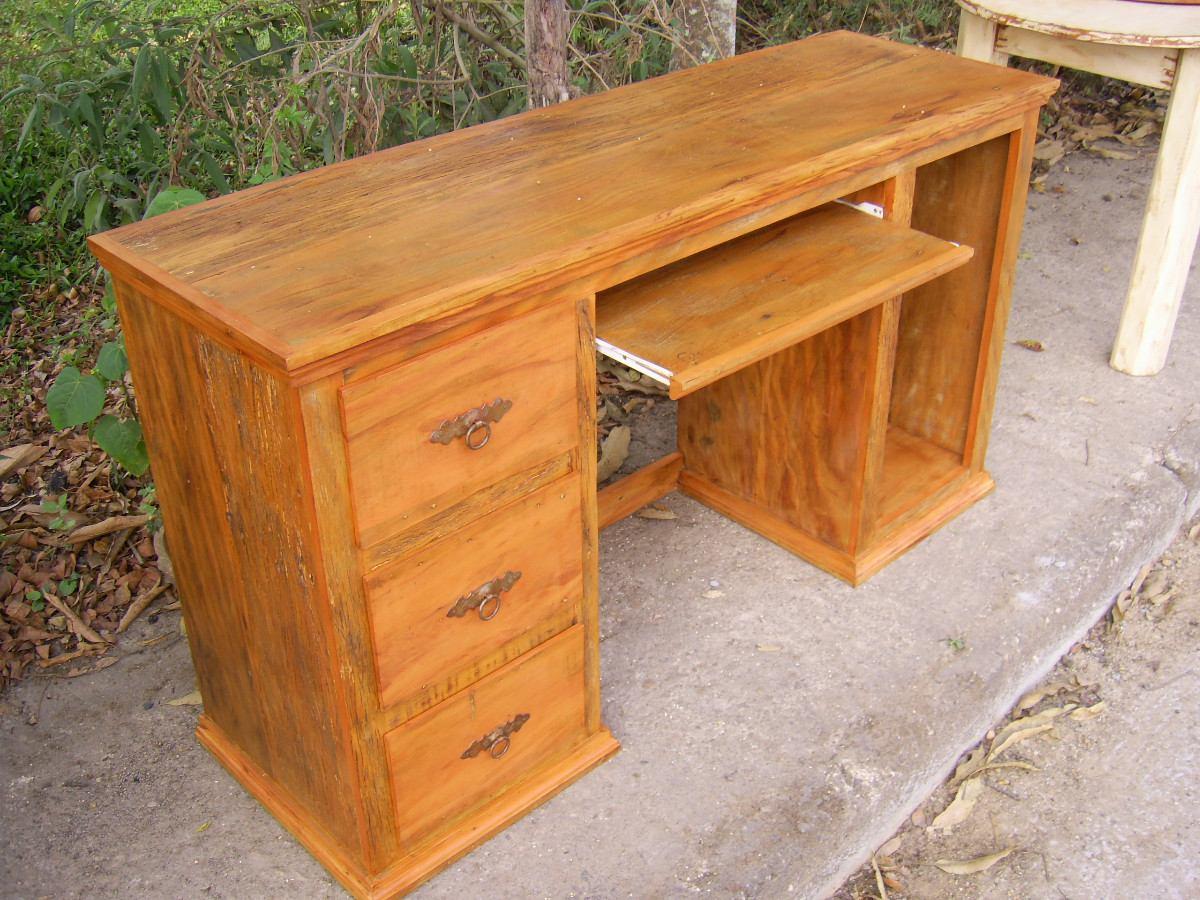 Mesa Para Computador Madeira Demolição R$ 980 00 no MercadoLivre #AE5218 1200x900