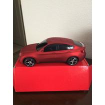 Caixa De Som Portátil Em Formato Carro