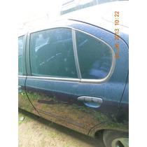 Porta Traseira Esquerda Nissan Primera Gxe 97(s/acessórios)