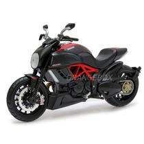 Ducati Diavel Carbon Maisto 1:12 31196-preto