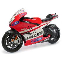 Ducati Desmosedici 2011 Nicky Hayden 1:6 Maisto 32211-hayden