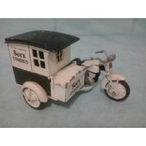 Antiga Motocicleta De Ferro