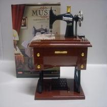 Máquina De Costura Vintage Como Box De Musica