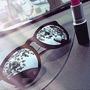 Óculos Veludo Preto Lente Espelhada + Estojo De Couro + Kit