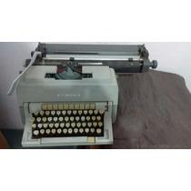 Máquina De Escrever Olivetti Línea 98 - Raridade -