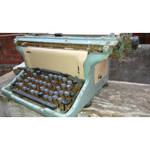 Máquina De Datilografia Antiga