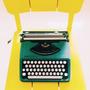 Máquina De Escrever | Olivetti Letera 82