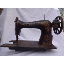 Máquina De Costura Antiga Singer! Decoração! Uma Relíquia!
