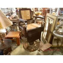 Cadeira De Barbeiro Antiga Em Palhinha