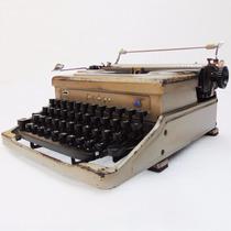 Máquina De Escrever Everest Italy Datilografia Objeto Antigo