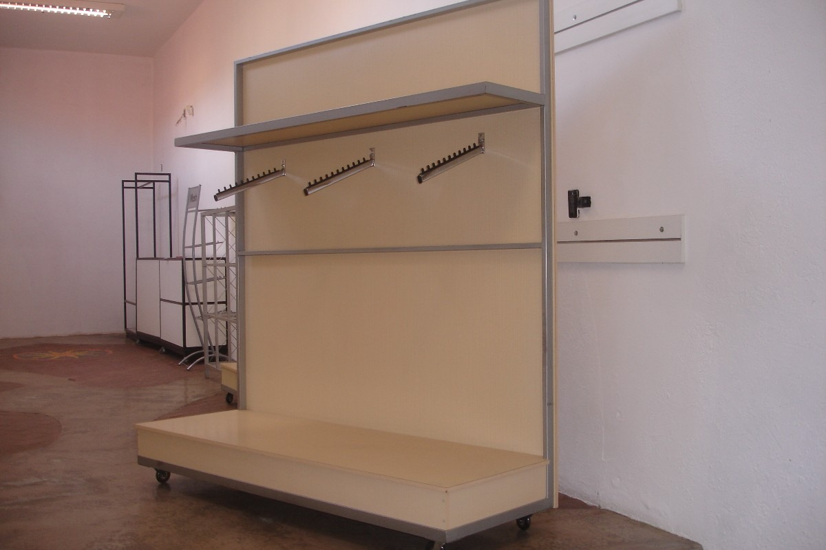 Painel / Expositor Estrutura Metalom E Madeira R$ 400 00 no  #855846 1200x800