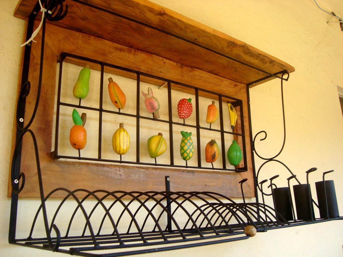 Paneleiro Rústico Em Ferro E Madeira De Demolição Com Frutas R$  #7F3A08 1200x900