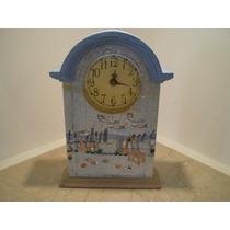 Relógio De Madeira Pintado À Mão