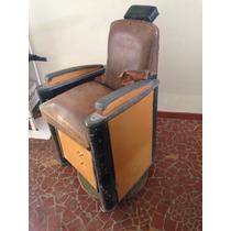 Cadeira De Barbeiro Muito Antiga Para Restauro