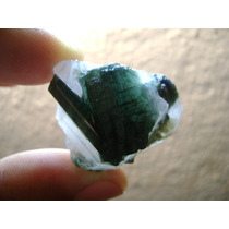 Natural Pedras 20,7 Gramas Turmalina Verde Na Matriz Quartzo