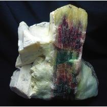 Turmalina Tricolor + Morganita +feldspato+albita +biotita