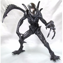Alien Vs Predador - Alien Black 26 Cm - Furyu Pronta Entrega