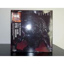 Alien Warrior Revoltech Sci Fi Pronta Entrega Frete Grátis