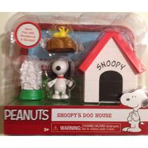 # Boneco Snoopy + Woodstock + Casinha (conjunto) #