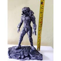 Alien Vs Predador Em Resina Marmorizado Em Patina