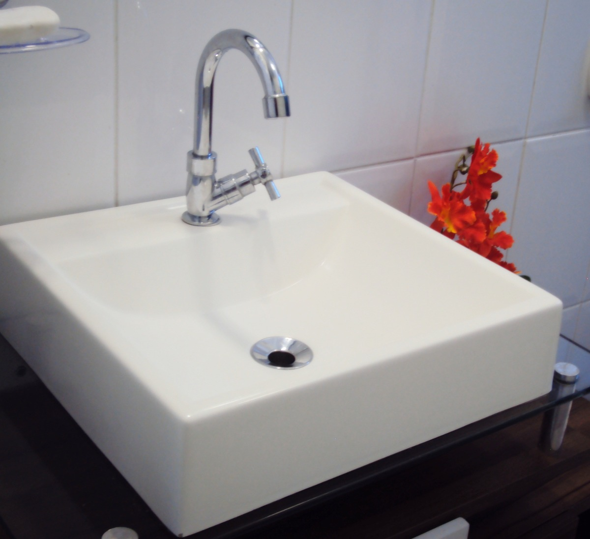 Pia Cuba Sobrepor Para Banheiro  R$ 99,90 no MercadoLivre -> Torneiras Para Banheiro Cuba Sobrepor