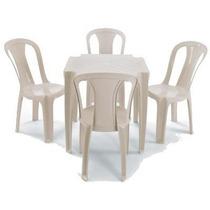 Conjunto De Mesa E Cadeira De Plástico Suporta Até 140 Kg